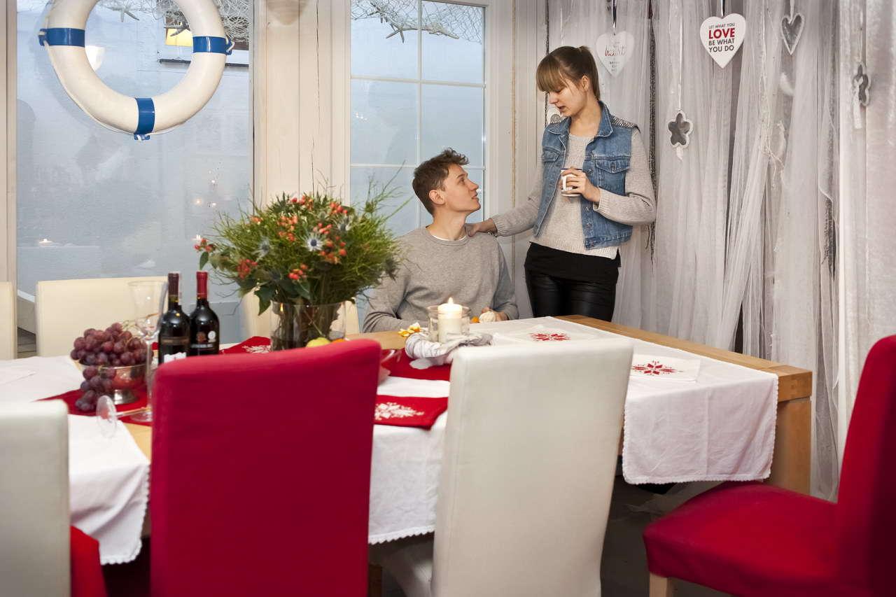 Romantyczny weekend w pokoju 200 m od morza, kolacje przy świecach w pobliskich restauracjach, spacery po plaży. Wiemy jak budować wyjątkowe wspomnienia...